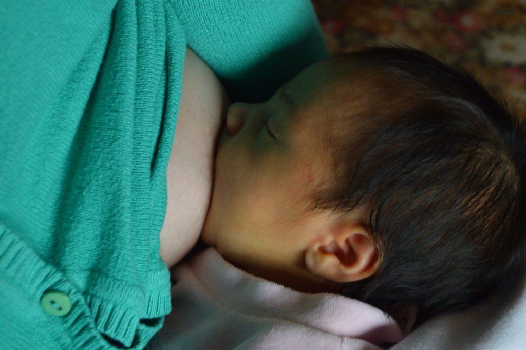 Stillen ist die beste Ernährung für Menschenbabys. Meine Stillberatung hilft bei einem guten Start in das Leben mit Kind.
